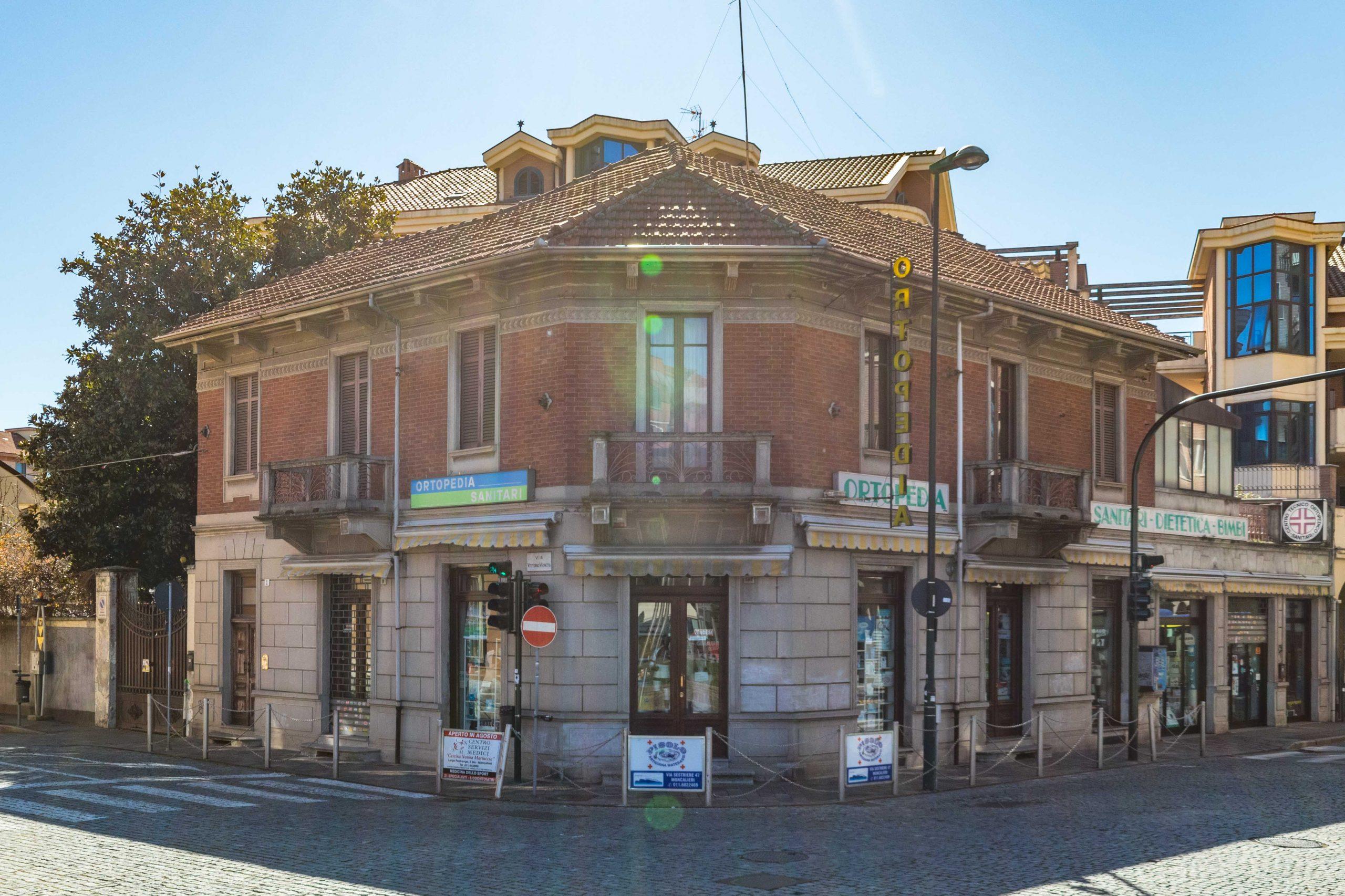 Palazzina in vendita in via Vittorio Veneto 2, Nichelino